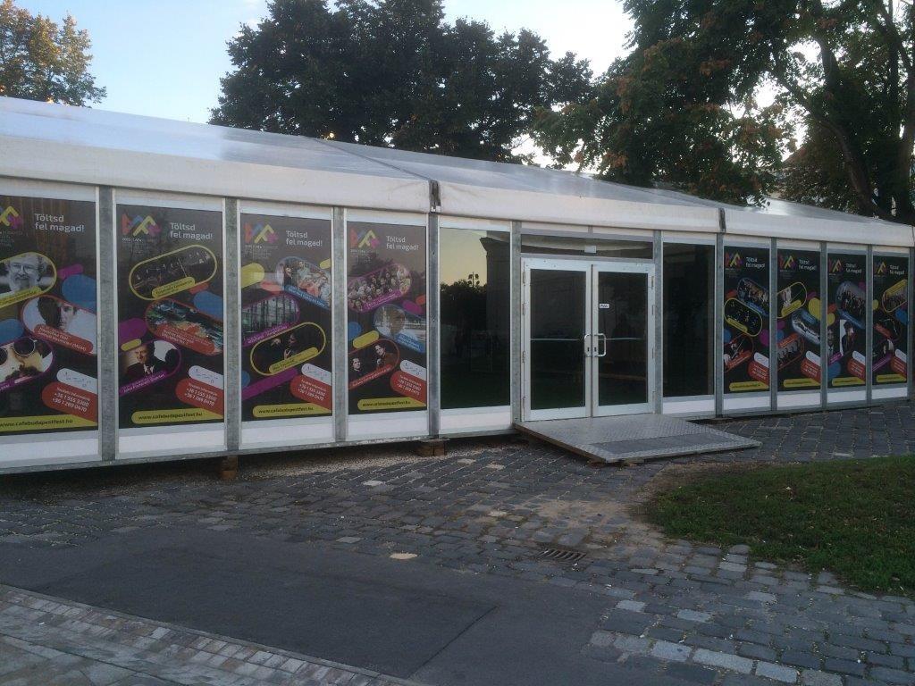 Deák tér dekor munka kültéri matrica nyomtatás kasírozás sürgősen