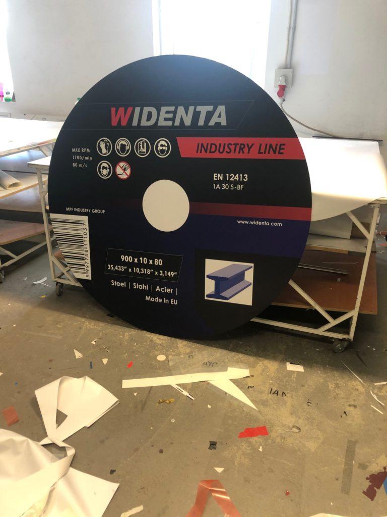 Üzleti dekoráció nyomtatás, tervezés, installálás