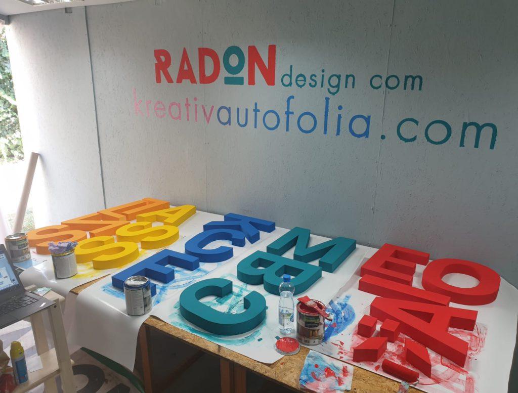 habvágás betűk kivágása dekoráció
